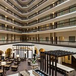 Photo de Embassy Suites by Hilton Dallas Love Field