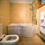 The SPA Room - bathroom
