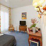 ChambreDouble-VueTNT-HotelRoyalWilson-Toulousecentre
