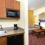 Photo of Holiday Inn Express & Suites Little Rock-West