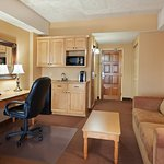 Enjoy Free WiFi and Breakfast In Our King Suite