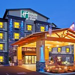 Photo de Holiday Inn Express Hotel & Suites Courtenay Comox Valley SW