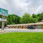 Photo of Highland Hills Motel & Cabins