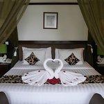 Kamar dekorasi untuk bulan madu