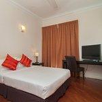 3 Bedroom Suite - Queen Bedroom