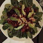 Salade chaude Japonaise à l'Umebosis et Sésames: Poireau, Noodle Betterave, Butternut, Avocat, m