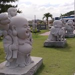Small statues at the side of the carpark~