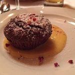 Brownie auf Weinschaum