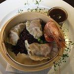 Steamed Dumpling and King Prawn, Yum yum ( Starter )