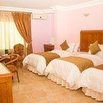 صورة فوتوغرافية لـ Al Anbat Midtown Hotel