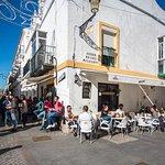 Terraza solariega en el corazón de El Puerto.