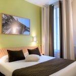 Hotel Glasgow Monceau Paris - Comfort Classic Green room with double bed