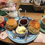 Valokuva: Tea on the Green