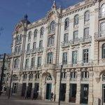 Inserido num edifico histórico completamente renovado