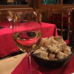 Petit verre de vin de la région