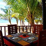 Photo de Bentota Rock Beach Restaurant