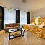 766192 Guest Room