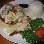Duck and shrimp with coconut sauce
