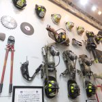 Fire Fighter tools of the trade - FDNY Fire Zone (04/Feb/17).