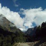 Camino al bosque encantado (al fondo el glaciar encantado)