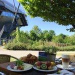 Frühstück auf der Terrasse des Restaurants CAMPUS