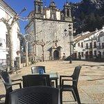 Plaza Central, al fondo la iglesia de nuestra señora de la Aurora (cerrada por mal estado)