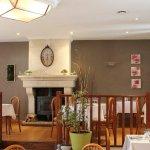 Salle de restaurant où sont servi les petits déjeuners