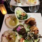 assiette dégustation restaurant libanais 961 à Mulhouse