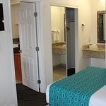 2 Double Suites Room with a Living Room,,kitchenette and fridge & microwave with all Room.