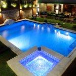 Pool & Jacuzzi