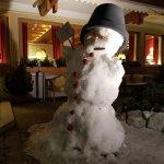 5*-Schnee-Begrüßung im Salzburgerhof durch einen riesigen Schneemann