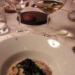 Pavé de bar de ligne frotté de plancton, quinoa rouge du pays, cristes marines,