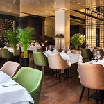 Fotografija – SANCTUS Restaurant