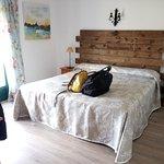 Habitación cama matrimonio (con mochilas)