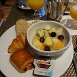 Photo of BEST WESTERN Hotel Athenee by HappyCulture