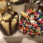 Chocolate cake and pop