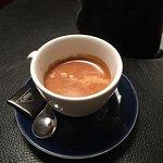 Frostkold lørdag formiddag blev straks mere varm og rar efter en kop espresso serveret af et smi