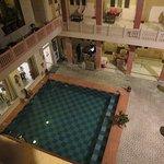 piscine et restaurant extérieur