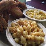 Foto di Maxine's Chicken & Waffles