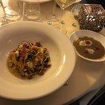 È sempre una riconferma dell'ottima cucina... tappa fissa ogni volta che torniamo a Roma... cons
