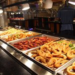 Buffet Minneapolis, we serve fresh fruit, appetizers, Chinese buffet, sushi bar and more