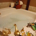 Whirpool tub - Hennessey House Carriage House room