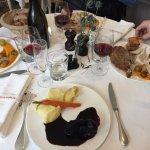 Joue de bœuf, mariné dans le vin, délicieux
