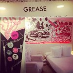 Decoración dormitorio Grease.
