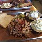 Foto de Blue Door Smokehouse
