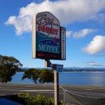 Photo de Baycourt Lakefront Taupo