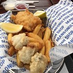 Foto de World Famous Fish and Chips