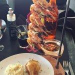 Super restaurant en bord de mer, les plats sont excellents et les serveurs très sympas ! Merci p