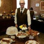 Mr BON et ses gâteaux.