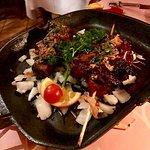 Pollo marinado y alitas de pollo